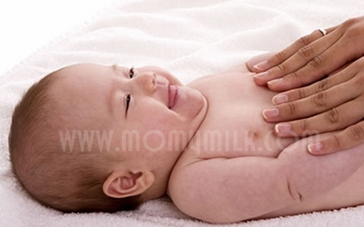 menjaga kelembutan kulit bayi - momymilk